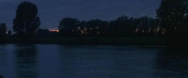 Bij de rivier