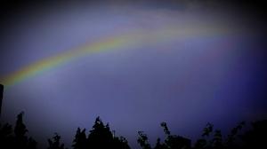 Regenboog in de duisternis